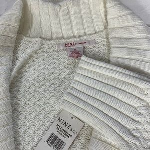 Nine & CO XL Cardigan White New